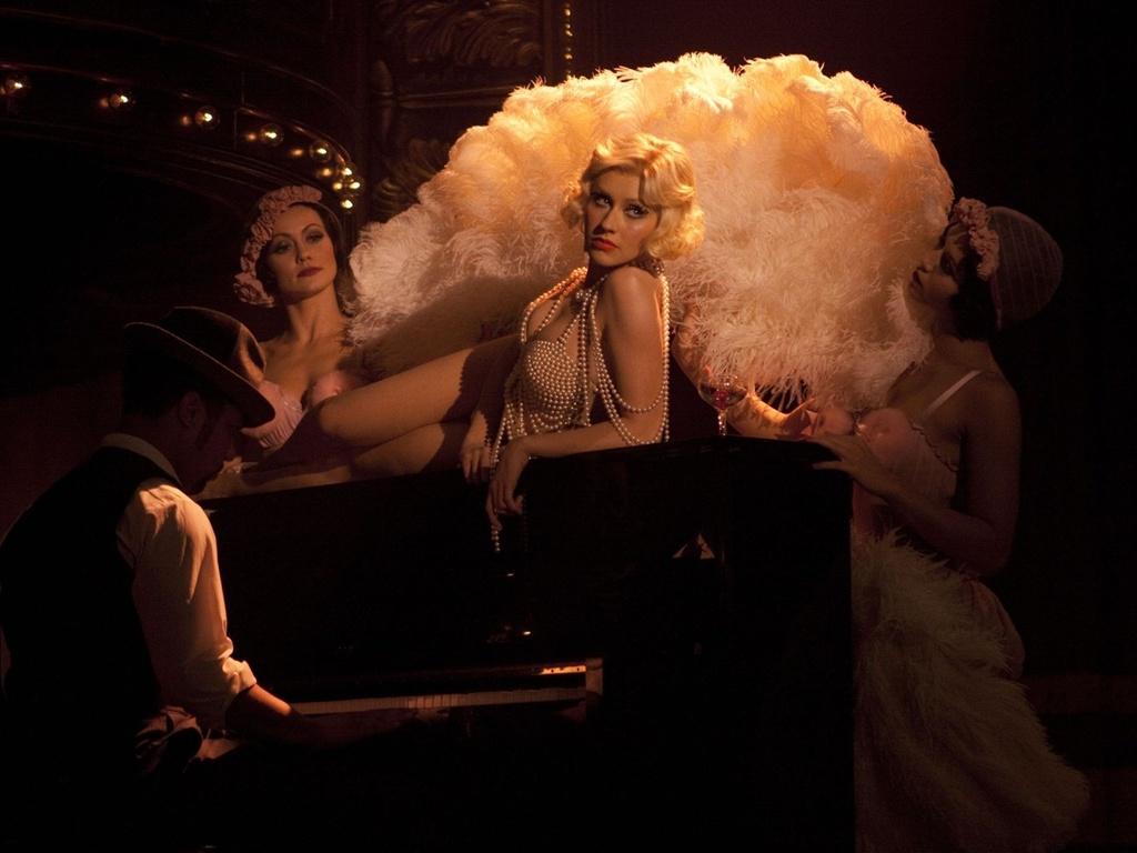 Christina Aguilera interpreta Ali no musical ''Burlesque''