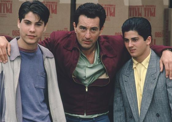 """Robert De Niro (centro) em cena do filme """"Os Bons Companheiros"""", uma das várias colaborações ao lado do diretor Martin Scorsese"""