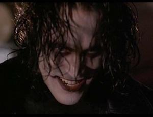 Cena do filme O Corvo (1994)