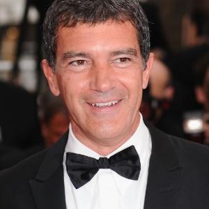 Antonio Banderas, protagonista de A Pele que Habito, comparece à cerimônia de abertura do Festival de Cannes (11/05/2011)