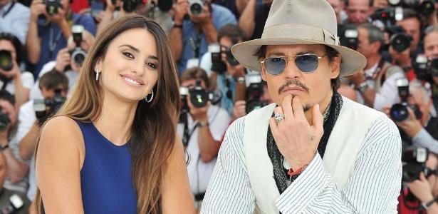 """""""Enquanto o público estiver curtindo e não se cansar, podemos fazer mais. As possibilidades são infinitas"""", disse Depp sobre a saga de Piratas do Caribe"""