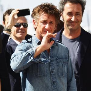 Sean Penn é um roqueiro em This must be the place