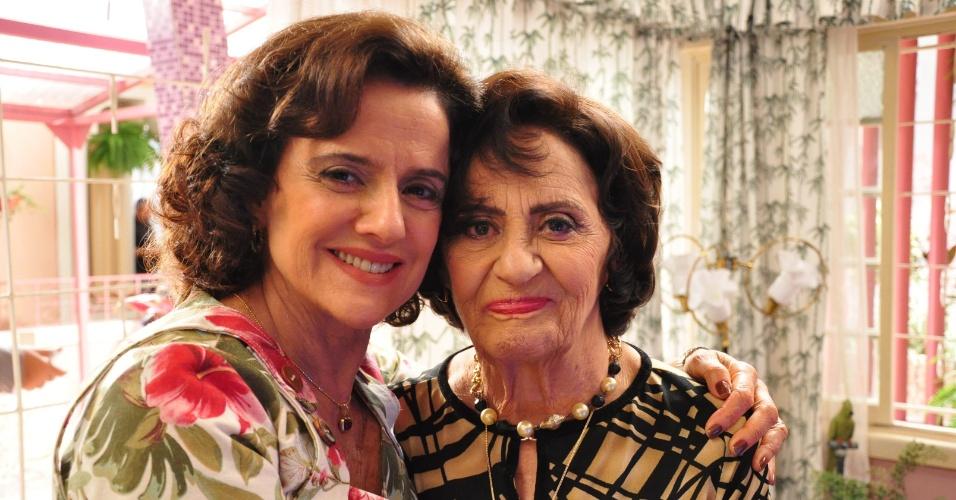 """Marieta Severo e Laura Cardoso no set de gravações da série """"A Grande Família''"""