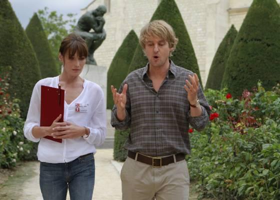 """Cena do filme """"Meia noite em Paris"""", de Woody Allen, com Carla Bruni e Owen Wilson"""