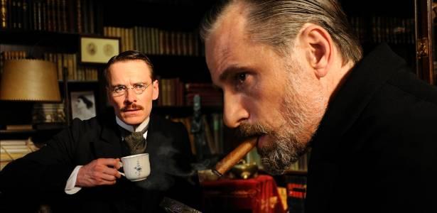 """Michael Fassbender e Viggo Mortense em cena de """"Um Método Perigoso"""", de David Cronenberg"""