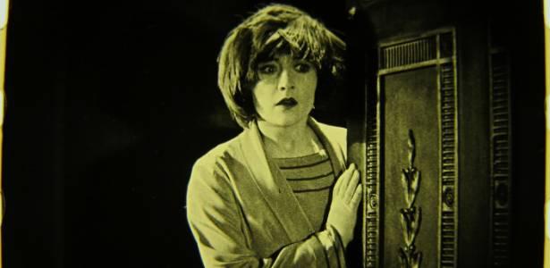 """Cena do filme mudo """"The White Shadow"""" (1923), de Alfred Hitchcock - AFP"""