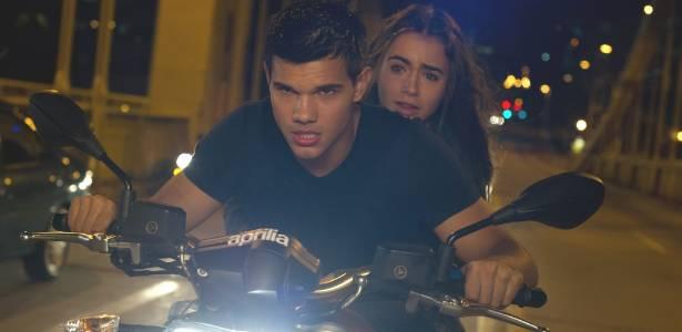 """Cena de """"Sem Saída"""", com Taylor Lautner"""