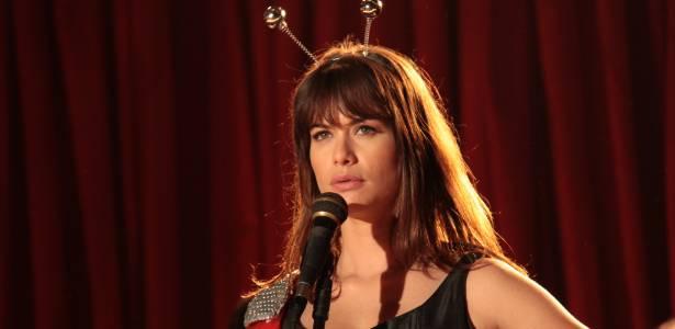 """Depois do sucesso de """"O Astro"""", Alinne Moraes fará novo remake: """"Guerra dos Sexos"""""""