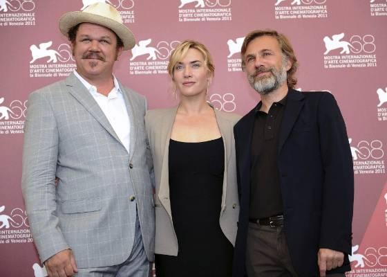 """John C. Reilly, Kate Winslet e Christoph Waltz posam na exibição de """"Carnage"""" (1/9/2011)"""