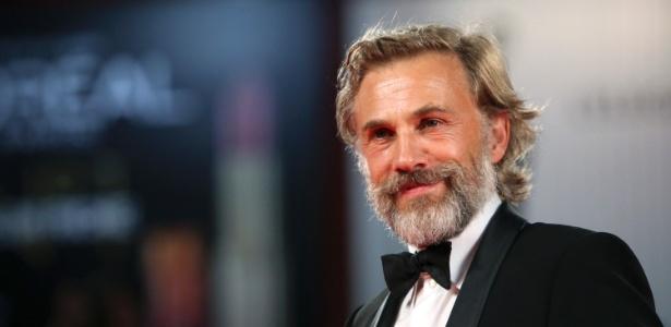 """Ator Christoph Waltz posa para foto antes da exibição do filme """"Carnage"""" no festival de cinema de Veneza (1/9/2011)"""