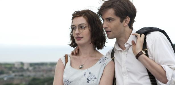 """Anne Hathaway e Jim Sturgess estão no elenco de """"Um Dia"""", novo filme da diretora Lone Scherfig (""""Educação"""")"""