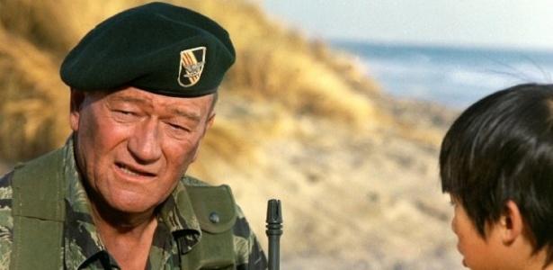 Boina de John Wayne é vendida por quase R  320 mil - Entretenimento - BOL  Notícias 7f6a8c9d7de