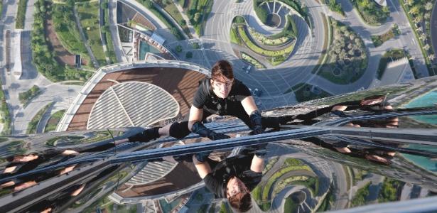 """Tom Cruise escala o prédio mais alto do mundo, em Dubai, em cena de """"Missão Impossível: Protocolo Fantasma"""""""