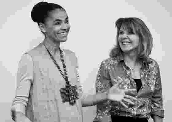 Marina Silva com a cineasta Sandra Wernek, que está produzindo um filme sobre a trajetória da ex-senadora (8/11/11) - Leticia Moreira/ Folhapress