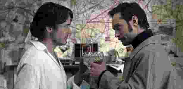 """Sherlock Holmes (Robert Downey Jr.) e Dr. Watson (Jude Law) em cena de """"O Jogo das Sombras"""", segundo filme da franquia sobre o detetive - Divulgação"""