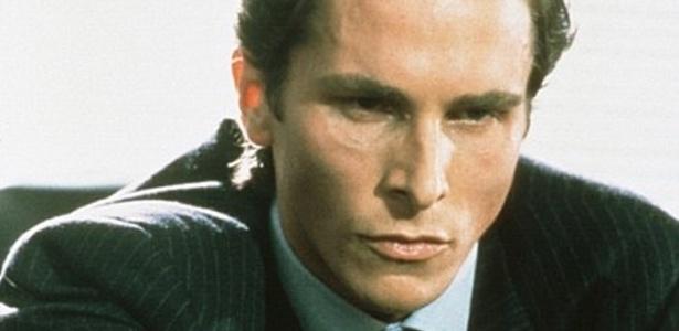 """O ator Christian Bale em cena de """"Psicopata Americano"""" - Reprodução"""