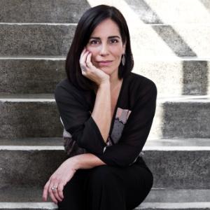 A atriz Glória Pires, que fará a psiquiatra Nise da Silveira no cinema (11/6/11) - Paula Giolito/Folhapress