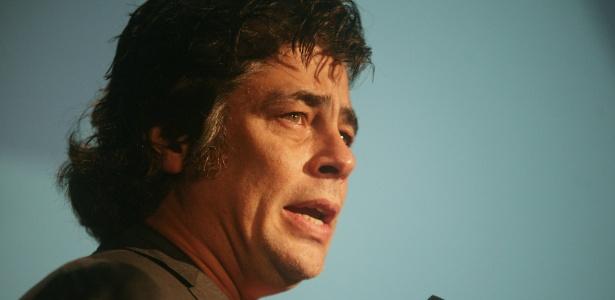 Benicio Del Toro durante uma retrospectiva com apresentação de seis filmes do diretor japonês Kaneto Shindo (19/10/11)