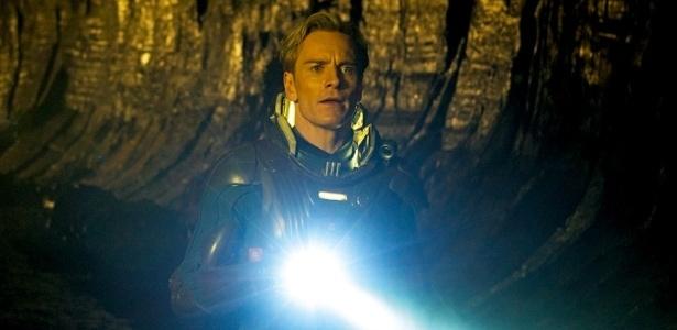 "Michael Fassbender em cena de ""Prometheus"""