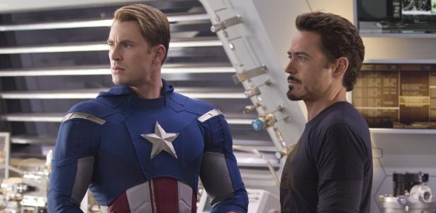 """Chris Evans e Robert Downey Jr. em cena de """"Os Vingadores"""""""