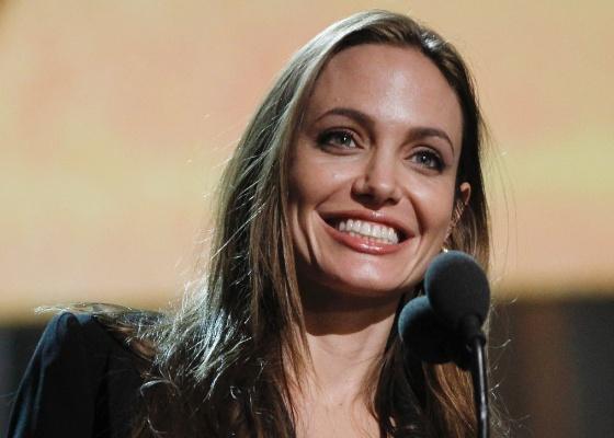 Angelina durante os ensaios para a apresentação do Oscar 2012 (24/2/12)