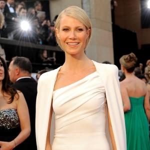Gwyneth Paltrow no tapete vermelho do Oscar 2012 (26/2/12)